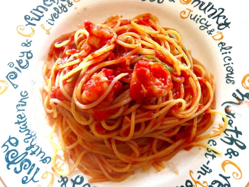 海老のトマトソースパスタ