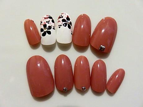 桃色と白の桜大人の春ネイル